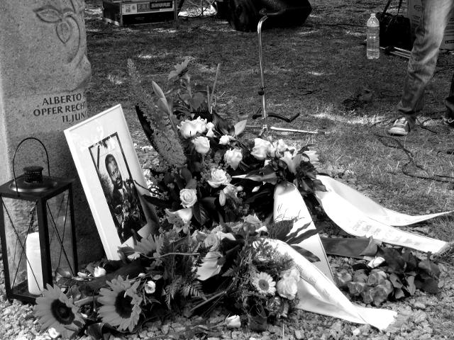 Dessau, Stele in Gedenken an Alberto Adriano am Tag der Erinnerung 2011